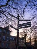 Chambres et poteau indicateur géorgiens à Lancaster comté la ville de Lancashire Angleterre photographie stock libre de droits