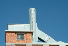 Chaminé da central energética velha Foto de Stock Royalty Free