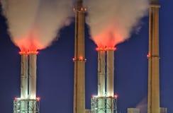 Chaminés da central energética Imagens de Stock Royalty Free
