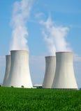Chaminés da central energética nuclear Foto de Stock Royalty Free