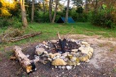 Chaminés e acampamento Imagem de Stock