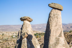 Chaminés feericamente de Cappadocia, Turquia Foto de Stock Royalty Free