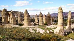 Chaminés feericamente em Cappadocia, Turquia Foto de Stock Royalty Free