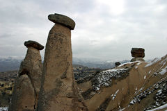 Chaminés feericamente em Urgup, Cappadocia Fotos de Stock