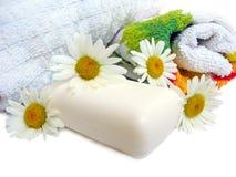 chamomiles mydlą ręczniki Zdjęcia Royalty Free