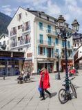 Chamonix,法国-被绘的大厦 免版税库存图片