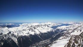 Chamonix dolina od Aiguille du Midi staci zdjęcie stock