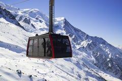 Chamonix-Mont-Blanc, Francia: Cabina di funivia da Chamonix-Mont-Blanc alla sommità di A Fotografia Stock Libera da Diritti