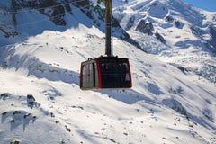 Chamonix-Mont-Blanc, Francia: Cabina di funivia da Chamonix-Mont-Blanc alla sommità di A Immagine Stock Libera da Diritti