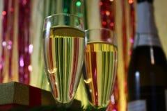 Champán de la tostada del Año Nuevo Imagen de archivo libre de regalías