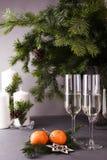 Champán en vidrios, Año Nuevo y fondo de la Navidad Fotografía de archivo libre de regalías