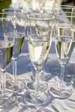 Champán en vidrios de flauta Imagen de archivo