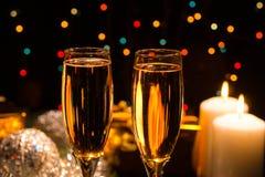 Champán romántico por la Navidad y el Año Nuevo Fotos de archivo libres de regalías