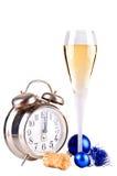 Champán y reloj del Año Nuevo Imágenes de archivo libres de regalías