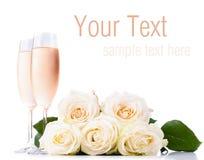 Champán y un ramo de rosas, modelo listo Imagen de archivo libre de regalías