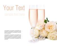 Champán y un ramo de rosas, modelo listo Imagen de archivo