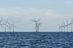 Champ d'éoliennes en mer Lillgrund Image stock