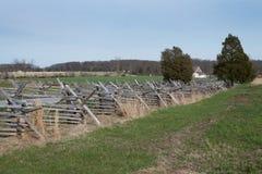 Champ de bataille de Gettysburg avec la barrière de Fente-rail photos libres de droits
