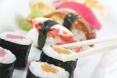Champ de cablage à couches multiples assorti de sushi Images stock
