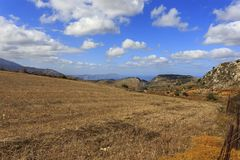 Champ de maïs crétois de montagne image libre de droits