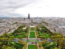 Champ de Mars da torre Eiffel em Paris, França foto de stock royalty free