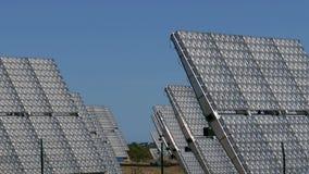 Champ des panneaux solaires clips vidéos