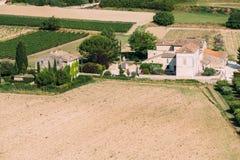 Champ des sud des Frances Jour d'été ensoleillé Horizontal agricole Photo stock