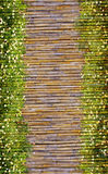 Cadre de fleur et en bambou illustration de vecteur