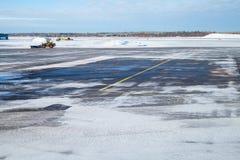 Champ vide de piste de Milou Aéroport en hiver Images stock