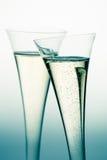 CHAMPAGNE ή λαμπιρίζοντας κρασί στο γυαλί σαμπάνιας Στοκ εικόνα με δικαίωμα ελεύθερης χρήσης