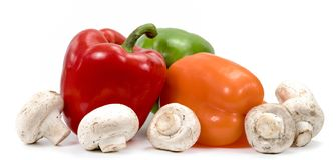 CHAMPAGNE και πιπέρι στο άσπρο υπόβαθρο στοκ εικόνα