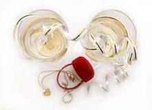 Champagne & trouwringen stock fotografie