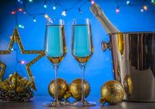 Champagne auf goldenem Hintergrund Champagne-Wein Stockbild