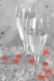 Champagne avec des coeurs image stock