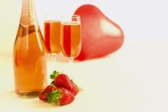 Champagne-Ballon und -erdbeeren Stockfoto