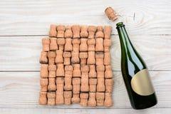 Champagne Blank Label e sugheri Fotografia Stock