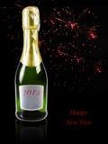 Champagne com os fogos-de-artifício no fundo Imagens de Stock