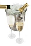 Champagne con il dispositivo di raffreddamento del ghiaccio Immagini Stock