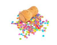 Champagne-cork met confettien op wit Royalty-vrije Stock Afbeeldingen