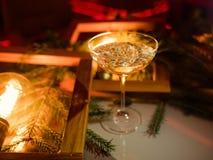 Champagne-de dranken van de de vieringspartij van glaskerstmis Royalty-vrije Stock Afbeeldingen