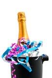 Champagne de fête dans le refroidisseur Photographie stock libre de droits