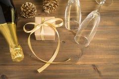 Champagne de pain grillé de cadeau images stock