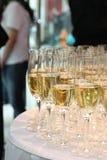 Champagne in den Gläsern Stockfoto