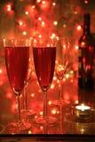 Champagne in den Gläsern und in den Leuchten lizenzfreie stockfotos