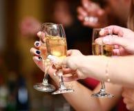 Champagne, die oben zujubelt Stockbild
