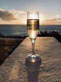 Champagne door het strand Stock Afbeelding