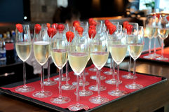 Champagne e morango Imagens de Stock Royalty Free