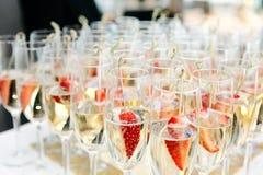 Champagne e morango Foto de Stock