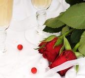 Champagne e rose Fotografia Stock Libera da Diritti