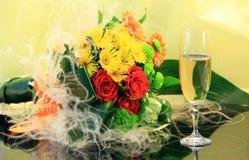 Champagne en bloemengeheimzinnigheid Royalty-vrije Stock Foto